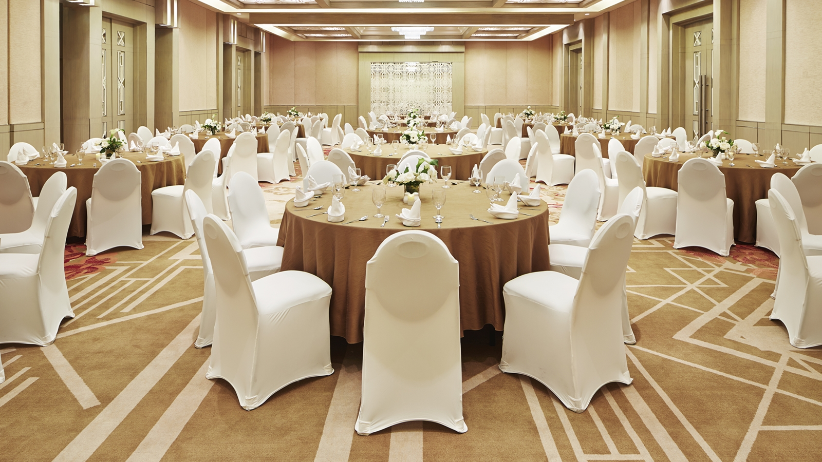 Luxurious wedding by sheraton bandung an enchanting experience wedding in bandung junglespirit Choice Image